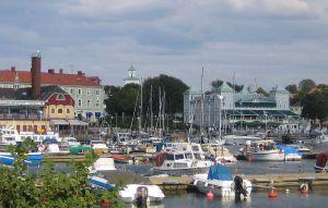 1024px-Södra_Hamnen,_Strömstad
